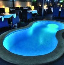 加里亞酒店