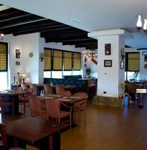 フォエニカ エクスプレス ホテル