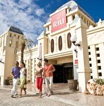 Hotel Riu Karamboa
