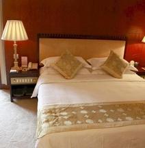 ニュー タイ ガーデン ホテル (西双版纳新傣园酒店)