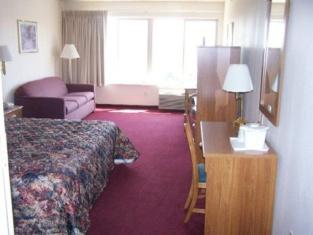 Travelers Inn & Convention Center