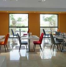 Hawthorn Hotel & Suites by Wyndham JBR
