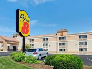 Super 8 by Wyndham Wichita East