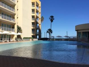 Peninsula Island Resort & Spa