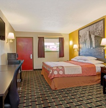 Super 8 by Wyndham Cincinnati OH