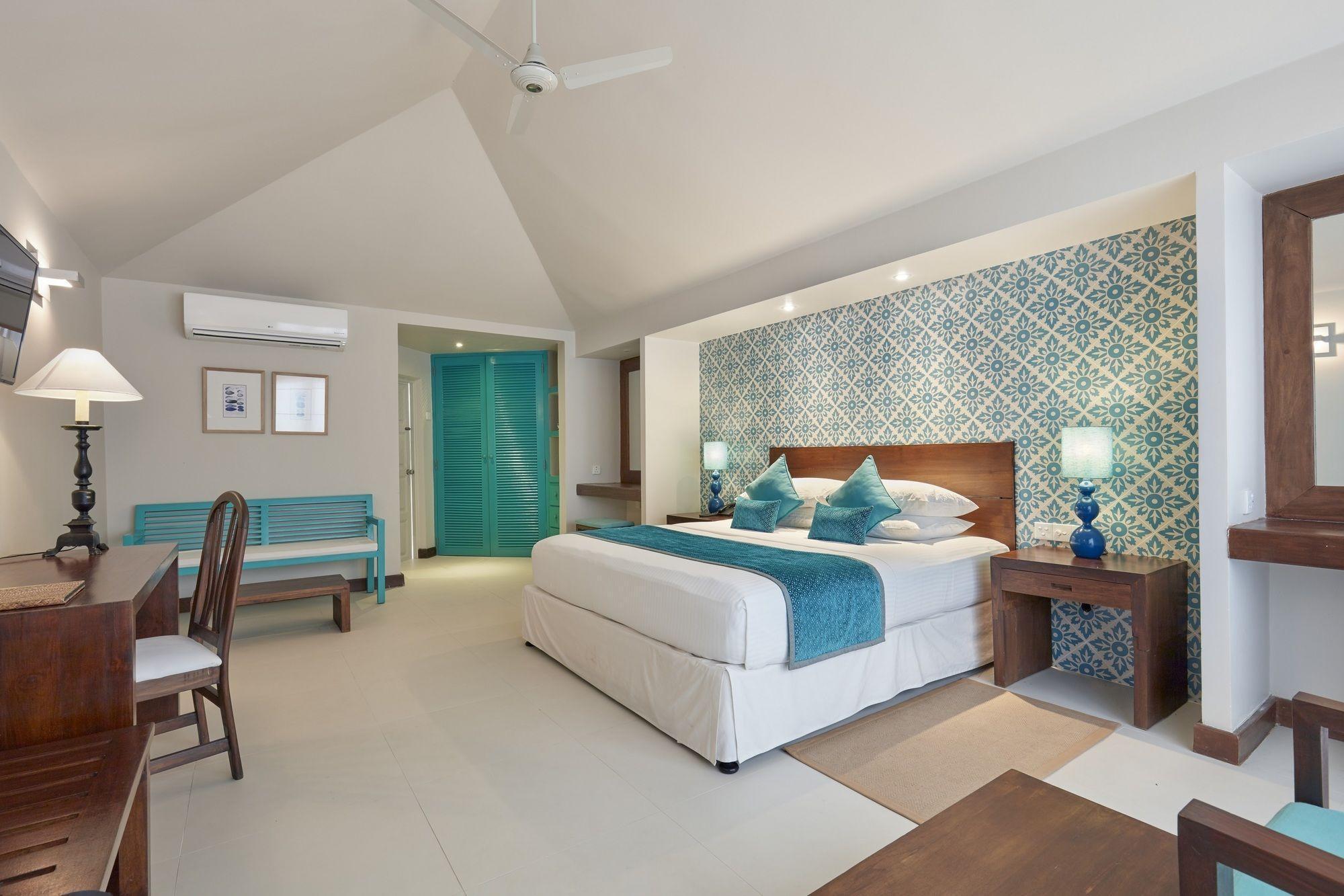 Adaaran Select Huduran Fushi - Skyscanner Hotels