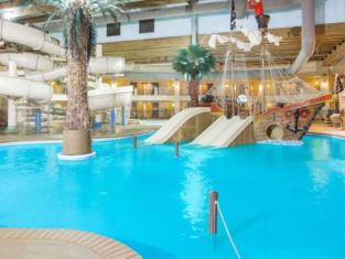 Ramada by Wyndham Des Moines Tropics Resort & Conference Ctr