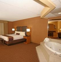 格林斯伯勒/體育館區貝斯特韋斯特優質酒店