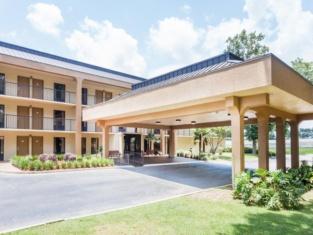 Baymont by Wyndham Pensacola