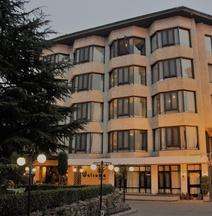 Welcome Hotel at Srinagar