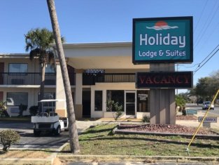 Holiday Lodge and Suites - Fort Walton Beach