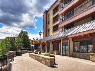 Breckenridge Village 3 Bedroom Luxury Condo, Walk to Lifts & Historic Downtown