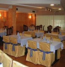 Tibur Hotel