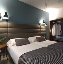Suites Pamplona Plaza