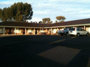 Cobar Town & Country Motor Inn