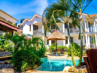 2 Friends Entebbe Beach Hotel