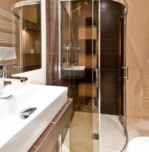 Platinum Aparthotel