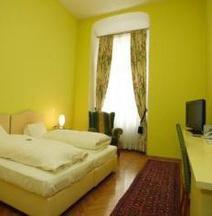 BoutiqueHotel Dom - Rooms & Suites