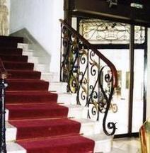 普莱三司酒店
