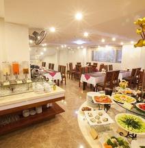 Khách sạn Sen Luxury