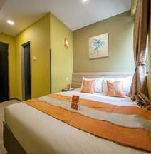 OYO 228 Basic Hotel