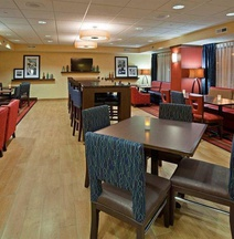 Hampton Inn Milwaukee-Airport