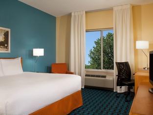Fairfield Inn Suites Austin-University Area