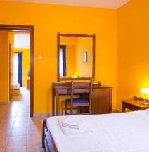 菲洛斯锡尼亚罗萨尼乡村别墅酒店