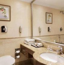 โรงแรมรามาดา พลาซา เจเอชวี