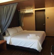 C'haya Hotel