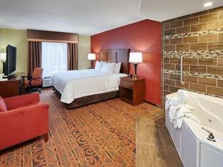 Hampton Inn & Suites Milwaukee/Franklin