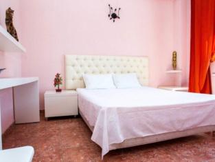 Khloya Hotel