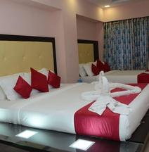 Hotel Sai Leela Grand