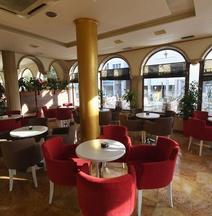 Hotel Ferrari Tirane
