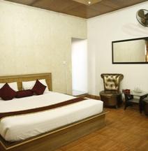 Hotel Premier Inn Davis Road