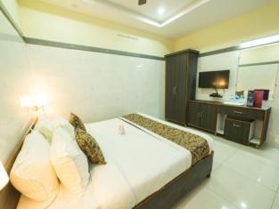 OYO 9352 Hotel SRC Grand