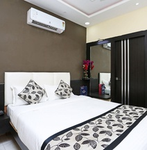 OYO 10589 Laxmi Guest House