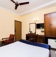 OYO 4621 Hotel Camac Plaza