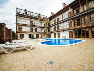 Villa Laguna Guest House