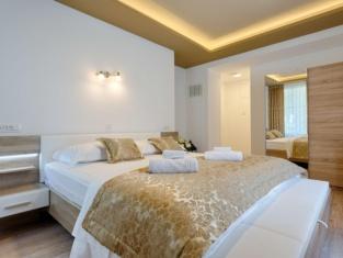 Luxury Rooms Floramye