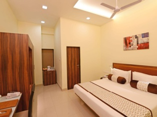 Vijaya Tej Clarks Inn