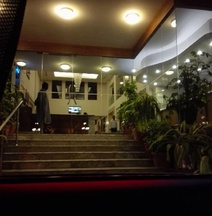 Embassy Inn, Karachi