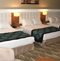 Grand Aras Hotel