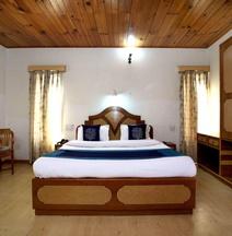 OYO 6383 Hotel Leela Grand Inn