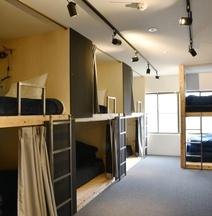 Tomarigi Hostel