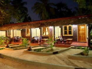 Naval Beach Villa & Rooms