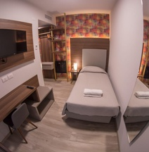 8room Hotel