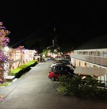 Hyannis Inn