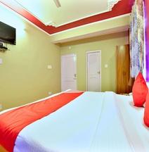 OYO 12238 Hotel Snow Crest Inn