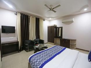 OYO 4635 Sheetal Hotel